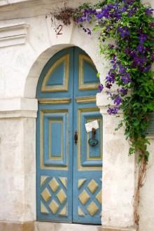 Chablis door